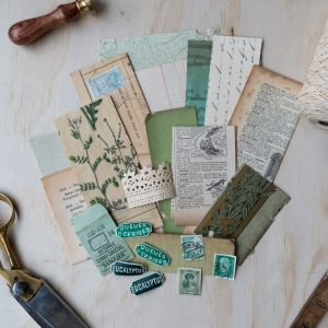 Vert - Green vintage paper pack. An assortment of genuine vintage paper ephemera in shades of green.
