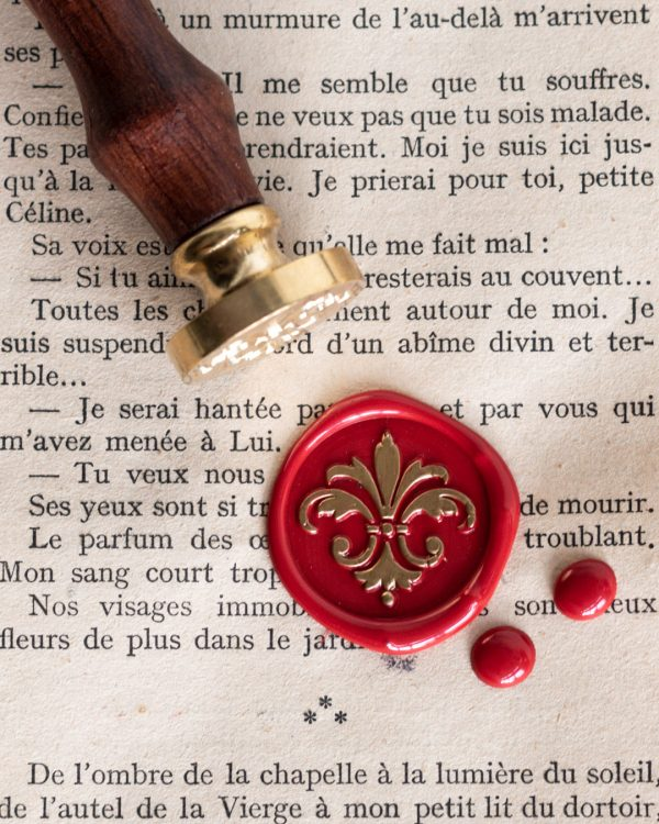 Wax seal stamp with fleur de lys design
